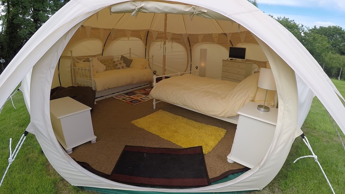 ... Have a look inside our luxury lotus belle tent (yurt) & Lotus belle tents (yurts) - Dolbeare Park Cornwall - Yurts for ...