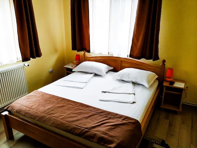 Venesis House - Double Room - no. 5