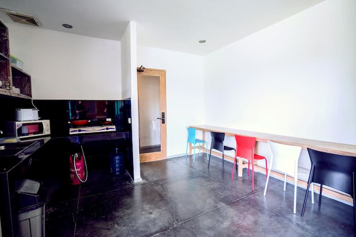 Cozy Bobo Hostel and Large Working For Backpackers