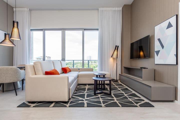 New Luxury One-Br H. Beach House
