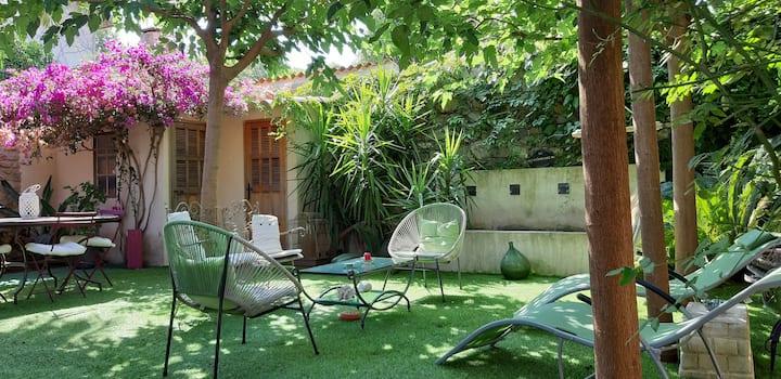 ST TROPEZ La Pationante  climatisée 30m2 + jardin