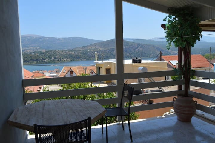Roubina's Sea View Apartment in Argostoli