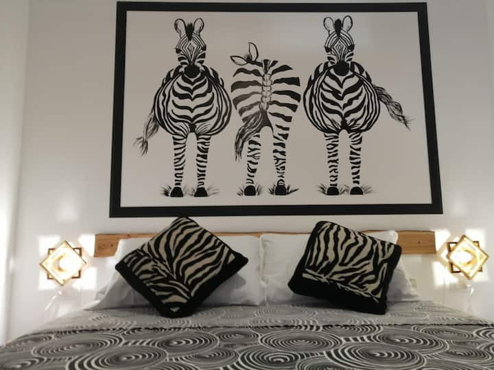 Zebra Mini Apartment