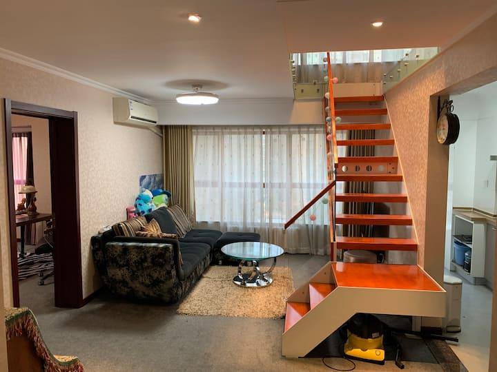 中心#整套140平米阳光复式LOFT公寓/现代简约/泉城广场/世贸/银座/city centre