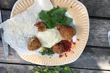 Falafel with hummous, pita bread and various dips
