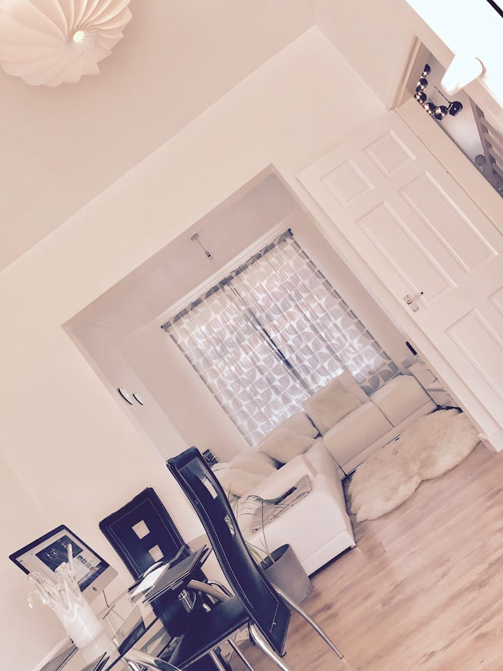 Manchester Lux Double Room. (6 min by car PLAB)
