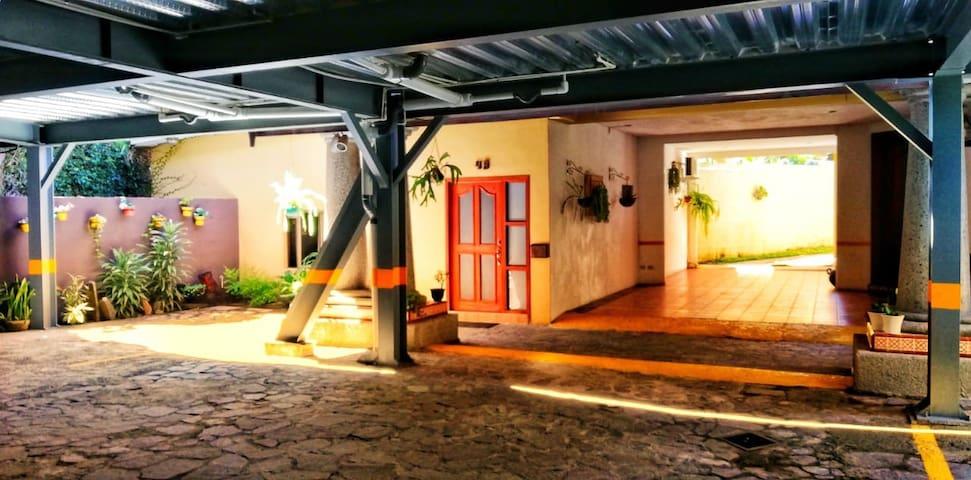 Beautiful cottage full Apartment*NEAR TORRE FUTURA