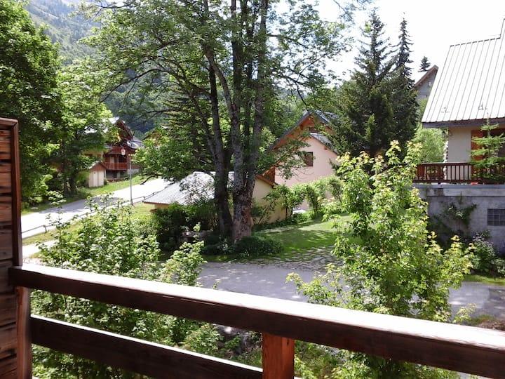 App 41M2, expo sud ,  Piscine, Sauna, 200 m pistes