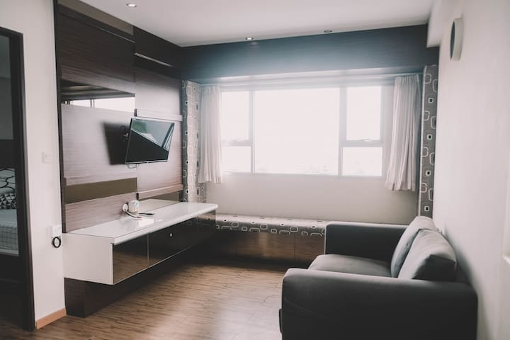 Royal Apartement  for rent (16th floor)
