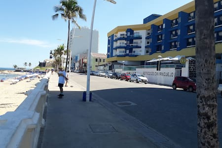 Bahia Flat. Farol da Barra. P/ trabalho ou lazer.