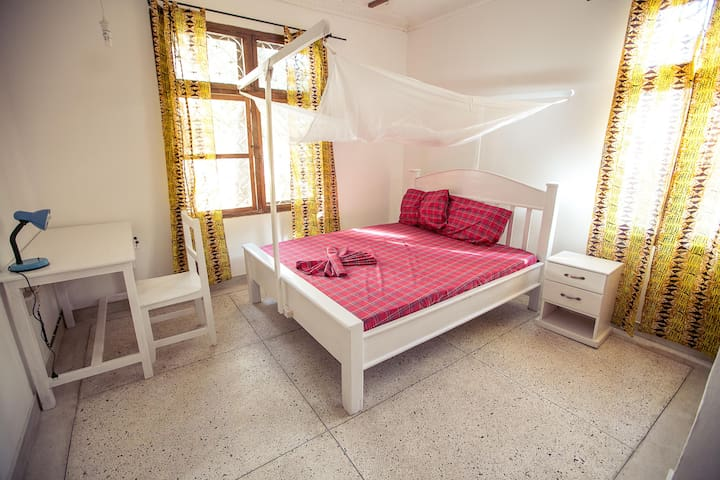 Cosy double master room for you (MASTER BEDROOM)