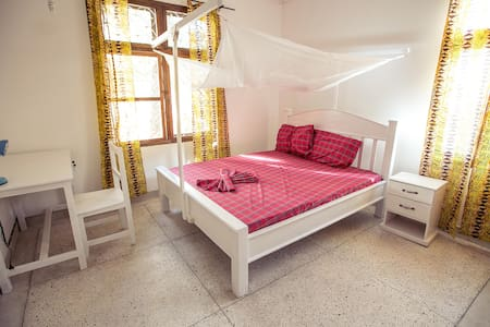 Cosy self contained room for you - Dar es Salaam