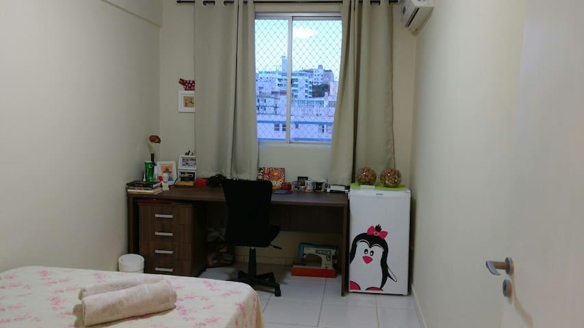 Quarto - cama de casal, ar-condicionado e frigobar - Florianópolis - Apartment