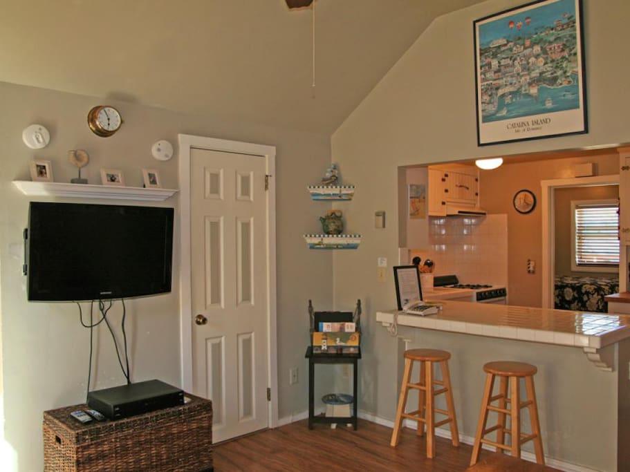 2-336 Sumner Up_Living room to kitchen_002