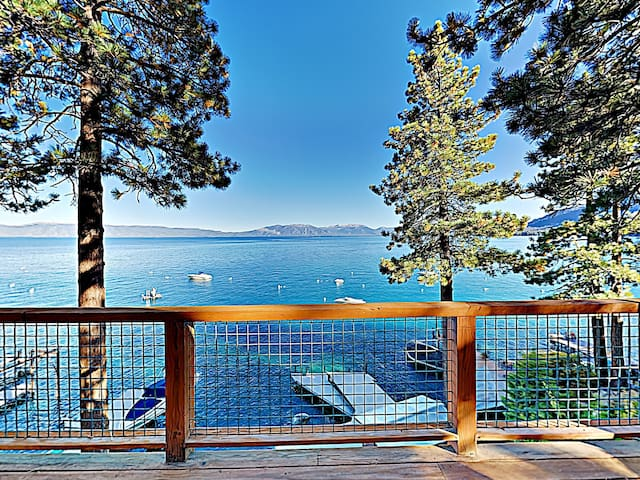 New Listing! Stunning Lakefront Chalet w/ Hot Tub