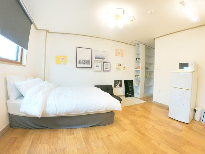 3min HONGIK STN/5F/Elevator/Best location big road