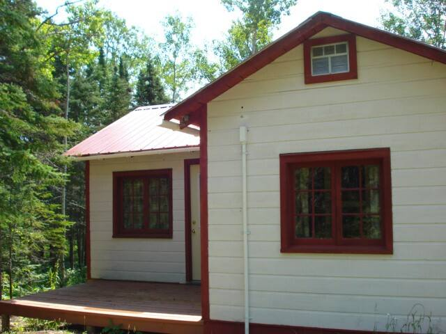 Renovated on scenic North Shore Grand Marais areaS