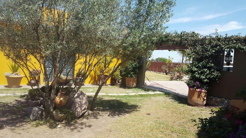 Preciosa casa de campo a 10 Min del centro de SMA - Guanajuato - House