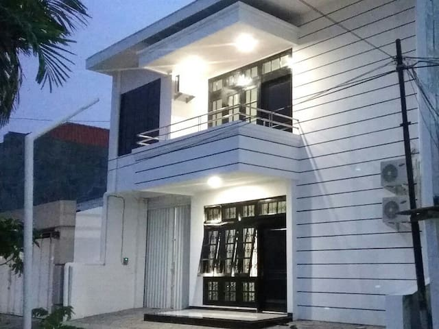 Luck Inn - Scandinavian House - Semarang - บ้าน