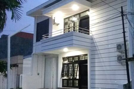 Luck Inn - Scandinavian House - Semarang - Casa