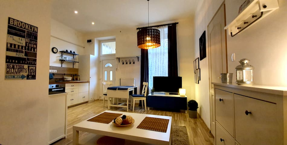 Cozy&Modern-Central Apartment