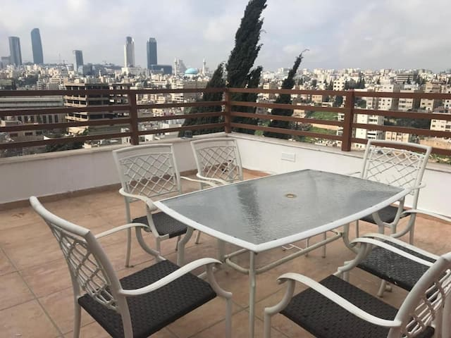 Luxurious roof apt in the heart of Amman