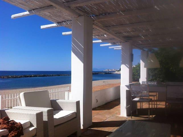 Splendida Villa sulla spiaggia