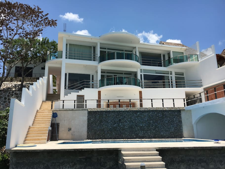 Big beautiful bacalar villa in the lagoon villas for for Villas bacalar