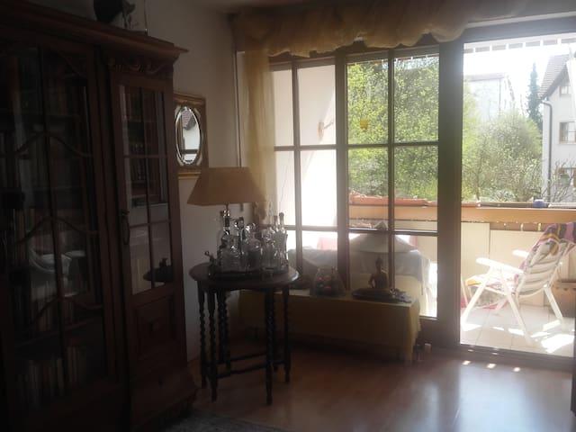 Stilvolle Zimmer mit Privatspähre - Landsberg am Lech - Apartment