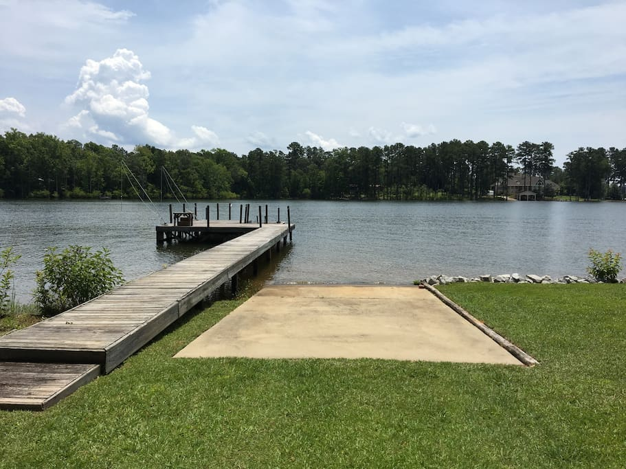 Boat Ramp and private dock