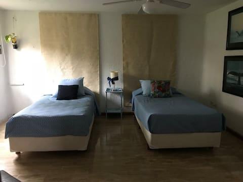 Suite Blue, Zona Hotelera