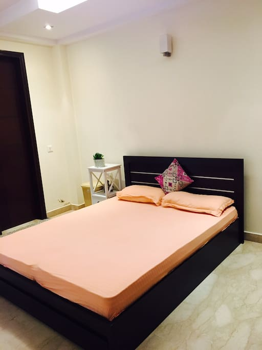 Bars With Private Rooms In Delhi