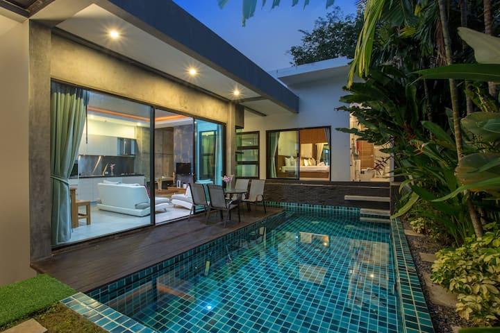 Modernistic 2-Bedroom Private Pool Villa, near AKA