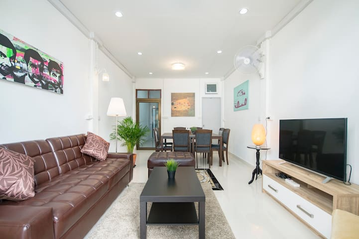 Entire and Cozy House 4Bedroom ChinaTown ★★★★★