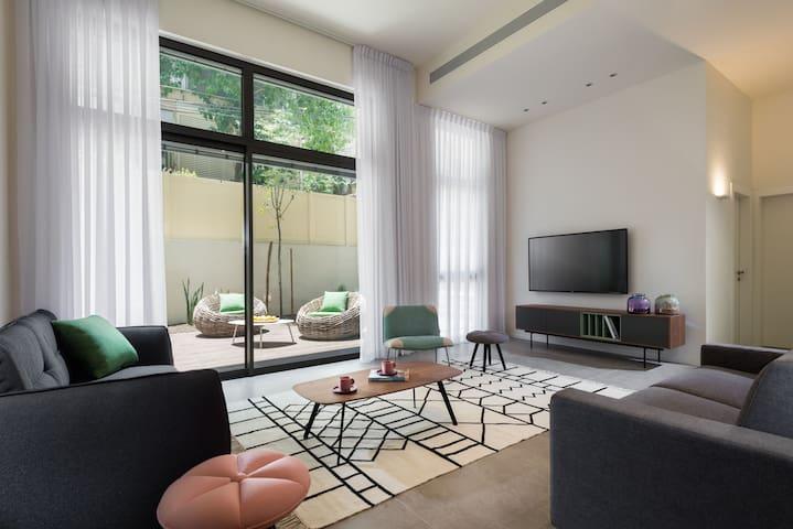 Sheinkin 5BR Duplex Garden Apartment Center TLV