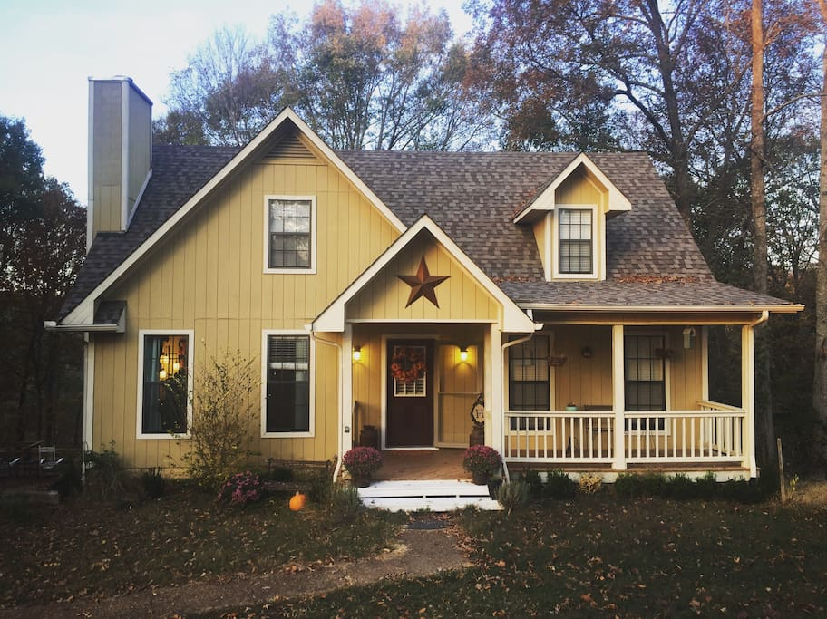 Our Little Yellow Dream Home 2,000 sq ft indoor and 3,600 sq ft outdoor space