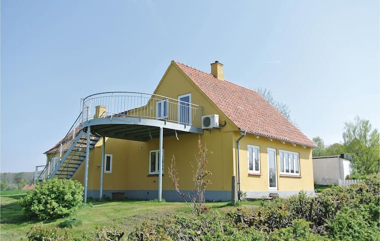 Holiday cottage with 3 bedrooms on 104m² in Tranekær