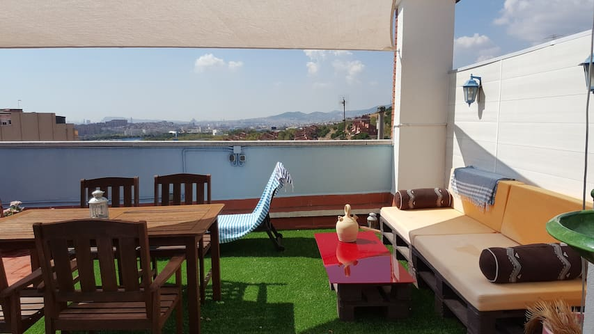 HUGE TERRACE WITH AMAZING SEA AND CITY VIEWS!!!! - Badalona - Wohnung