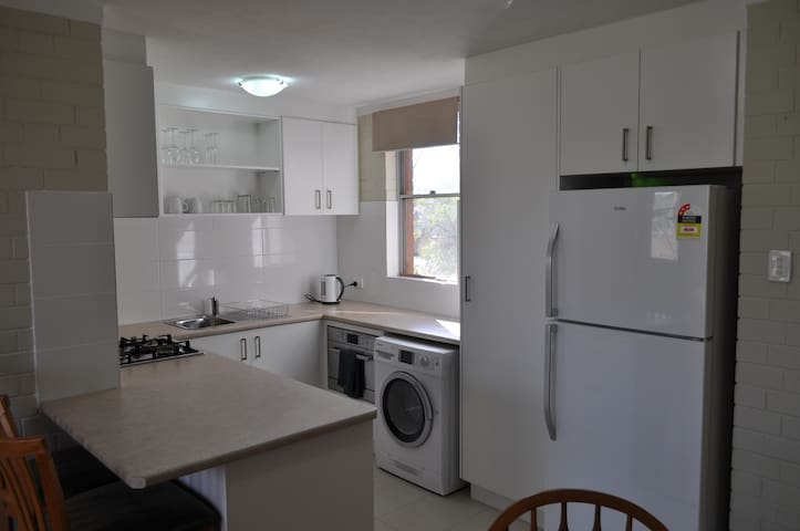 "1 Bedroom ""Free WiFi + Air Con"" in Floreat (18)"