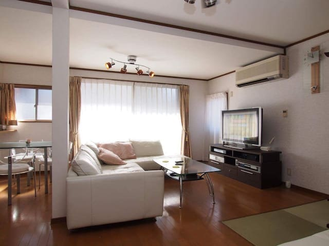 A beautiful house located in historic spot. - 橿原市 - Talo