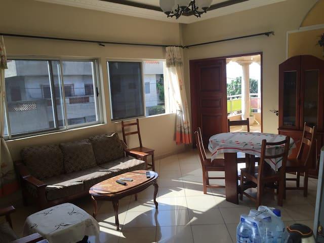 Bel appartement Marron 2 pièces - Cotonou