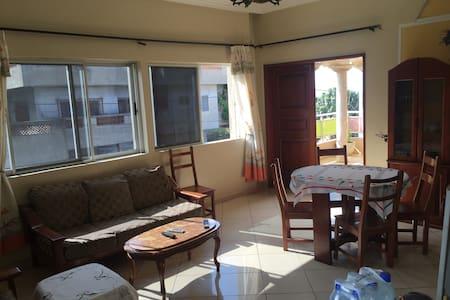 Bel appartement 2 pièces Marron - Cotonou