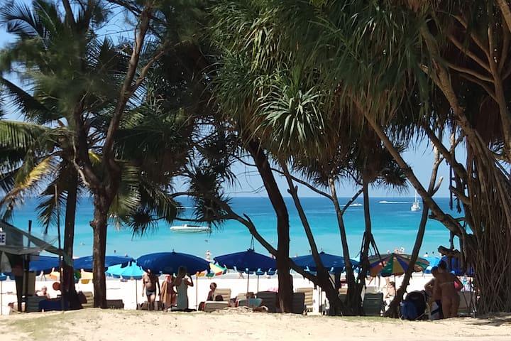 Best location Resort Kata/Karon Beach 400m 1-2BDR)