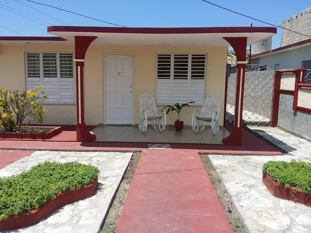 Hospédese en Guanaba's nest. Habitación El Nido - Matanzas - Huis