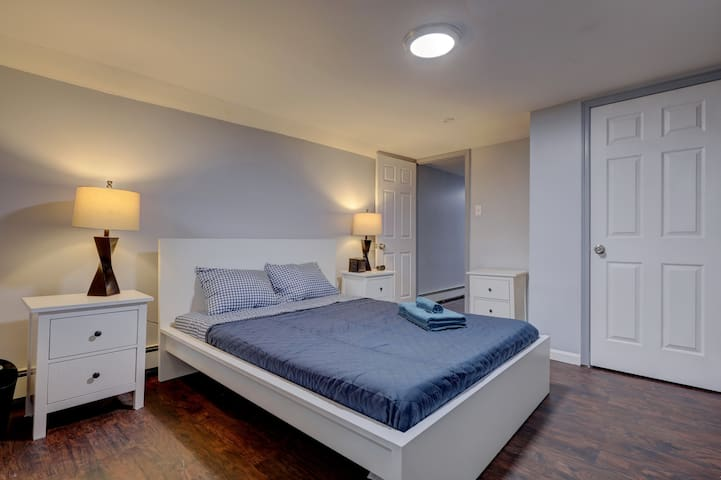 Renovated 1 bedroom Apartment/WIFI/close to NYC