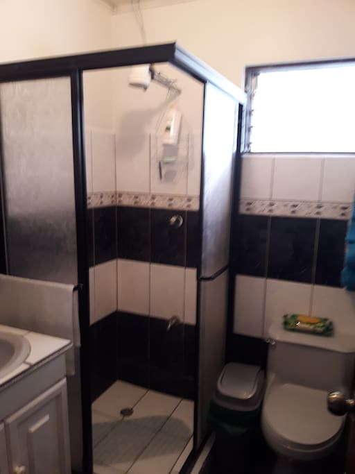 Bathroom. Baño.