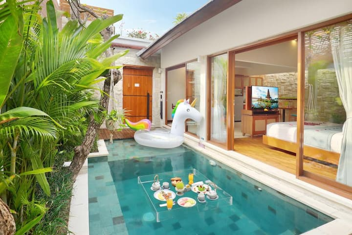 Relaxing Tropical Pool Villa in Centre of Seminyak