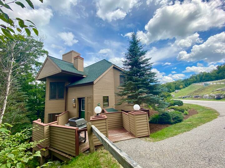 New Listing! CR13: Beautiful and homey townhouse for your family getaway in the heart of the White Mountains! PROFESSIONALLY MANAGED!