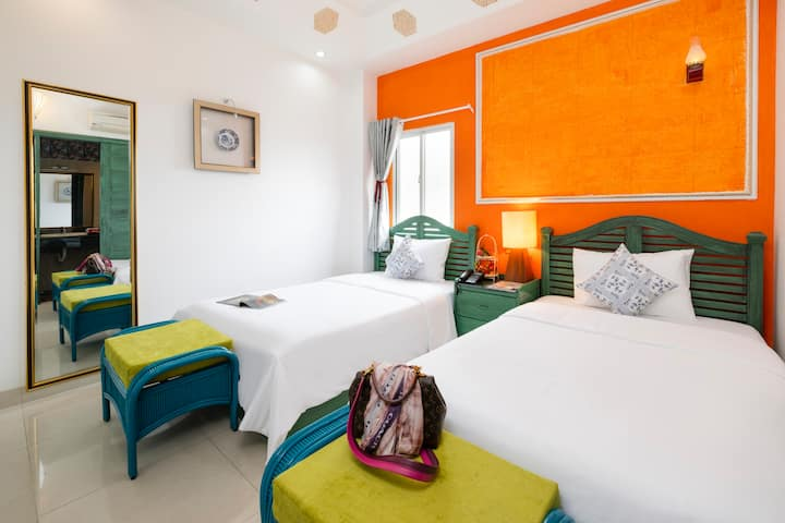 SUNNY TWIN ROOM IN THE HEART OF NHA TRANG