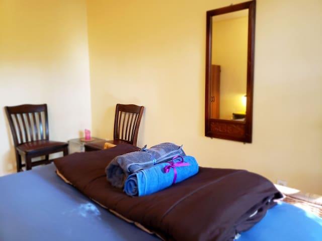 Chambre privée dans un charmant appartement